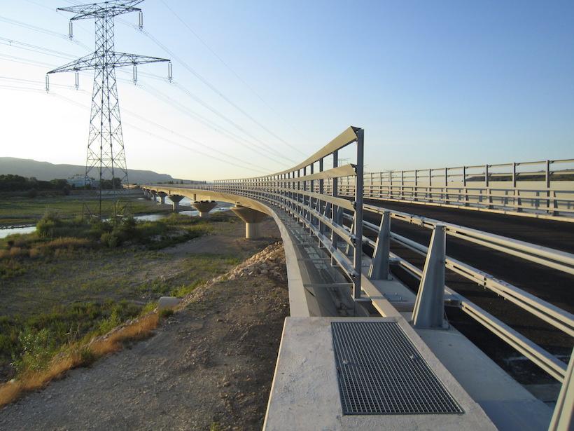 Metal Parapets - Metal railings for bridges