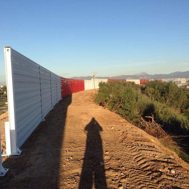 METALESA - steel acoustic screens at AENA Mallorca