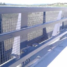 META13 metal parapet with grille